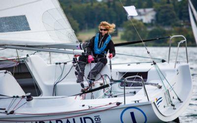 Fin de la Translémanique : Isabelle reprend le large à bord de son Imoca