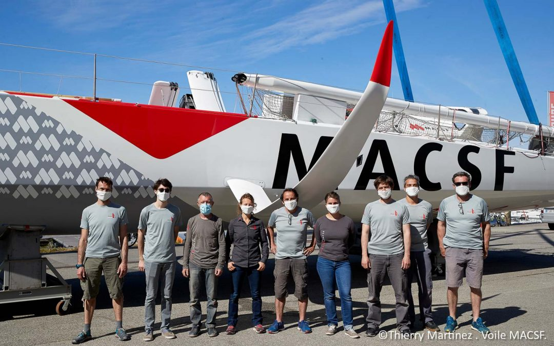 Mise à l'eau de l'IMOCA MACSF commentée par l'équipe !
